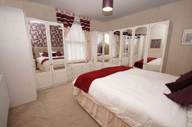 Bedroom (Apt)