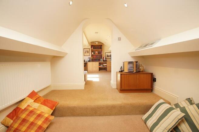 Lobby & Bedroom