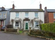 4 bed Detached house in Queens Road, STONEHOUSE...