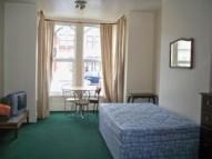 Studio apartment in De Vere Gardens, Ilford...