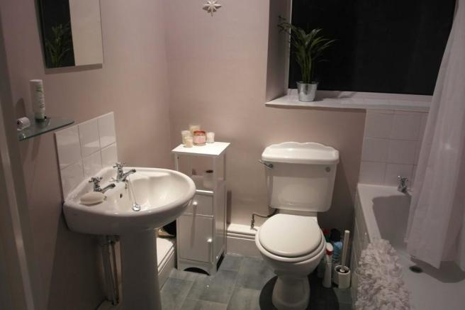 S10 5FN Bathroom