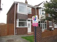 2 bed semi detached property to rent in Cornwall Avenue