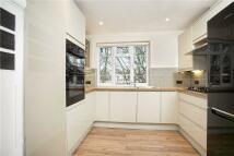 2 bedroom Flat to rent in Park Road, Twickenham
