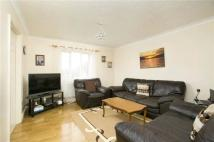 Flat in Bel Lane, Hanworth...