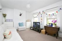 Flat to rent in Amyand Park Road...