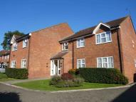 2 bedroom Flat to rent in COPPERFIELD COURT