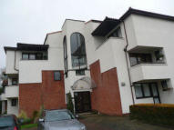 2 bedroom Flat to rent in CARLTON PLACE NORTHWOOD