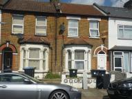 3 bed Terraced house in Hendon Road...