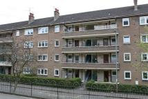 3 bedroom Apartment in 15 Thornwood Road...
