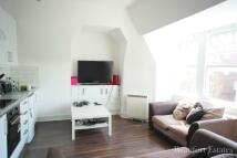 Flat to rent in Tetherdown, London, N10