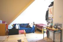 Studio apartment to rent in Mount View Road, London...