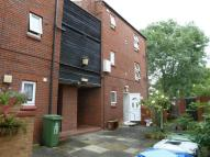 1 bedroom Ground Flat in Leatherbottle Green...