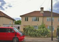 4 bed semi detached house to rent in Peverel Road, Cambridge