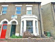 6 bedroom semi detached property in Ross Street