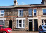 4 bed Terraced property to rent in Thoday Street, Cambridge