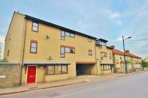 3 bedroom Apartment to rent in Ashtead Court