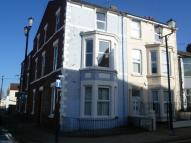 Studio flat in Virginia Road, Wallasey...