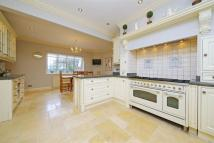 6 bed Detached home in Barnet Lane, Elstree...