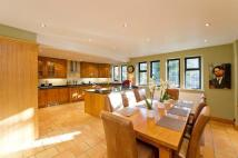 5 bed Detached house in Uphill Road, Mill Hill...