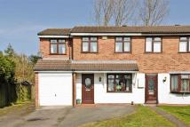 4 bed semi detached house in Gurnard Close, Willenhall