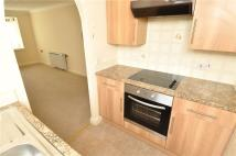 Flat to rent in Pensby Road, Heswall...