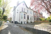 Flat to rent in Silverdale Road, Oxton...