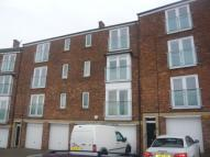 2 bedroom Flat to rent in Riverside Court...
