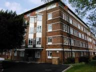 Apartment to rent in Mapesbury Road...