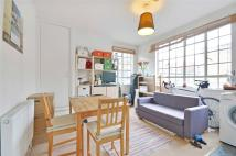 Flat to rent in Baron Street, Islington...