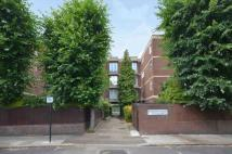 2 bedroom Flat in Acol Road...