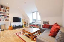 3 bedroom Flat in Dartmouth Road...
