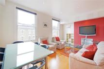 2 bedroom Flat in Iverson Road...
