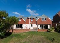5 bed Detached home in Bazehill Road...