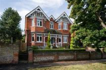 4 bed semi detached house in King Henrys Road, Lewes