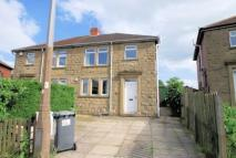 3 bed semi detached house in Park Avenue...