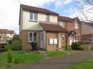 Flat to rent in Kingscote Drive...