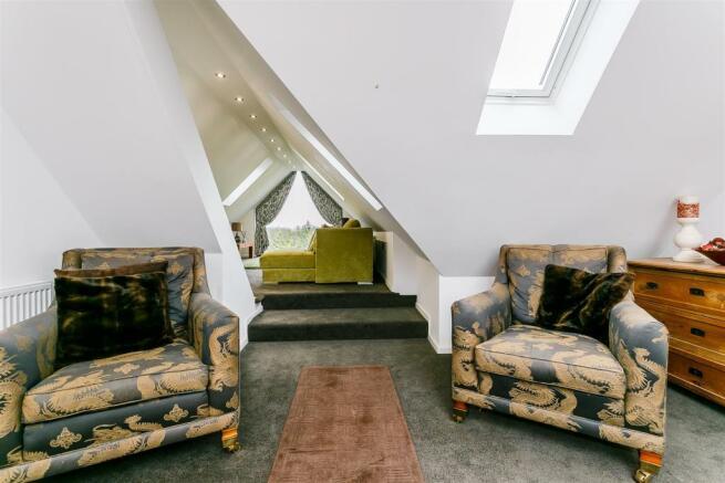 8315469-interior03.jpg