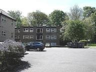 2 bedroom Flat to rent in Fernwood Court, Leeds...