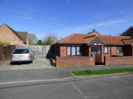 1 bedroom Semi-Detached Bungalow to rent in Edward Road, Kennington...
