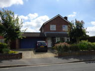 Detached home in Eden Croft, Abingdon...