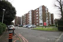 Ground Flat to rent in Brampton Grove, London...