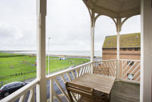 3 bed Penthouse in Minnis Road, Birchington...