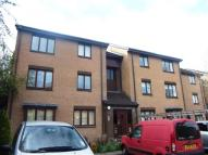 1 bed Flat in Burnfield Gardens...