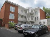Flat to rent in Guildford, Surrey, GU1
