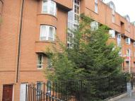 Flat to rent in St Vincent Street...