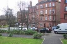 Flat to rent in Thornwood Avenue...