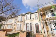 Flat to rent in North Birkbeck Road...