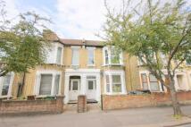 2 bed Ground Flat in Warren Road, London, E10