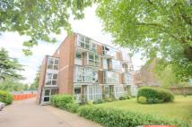 2 bed Flat to rent in Hollybush Hill, London...