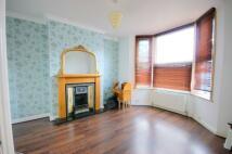 2 bedroom Flat in VICARAGE ROAD, London...